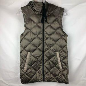 Lululemon the fluffiest vest camo. Reversible